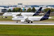 D-AIWF - Lufthansa Airbus A320 aircraft
