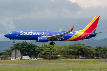 N8508W - Southwest Airlines Boeing 737-800