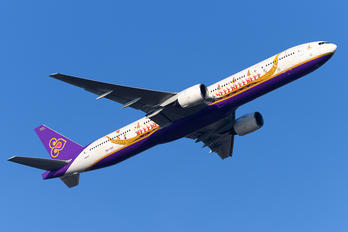 HS-TKF - Thai Airways Boeing 777-300ER
