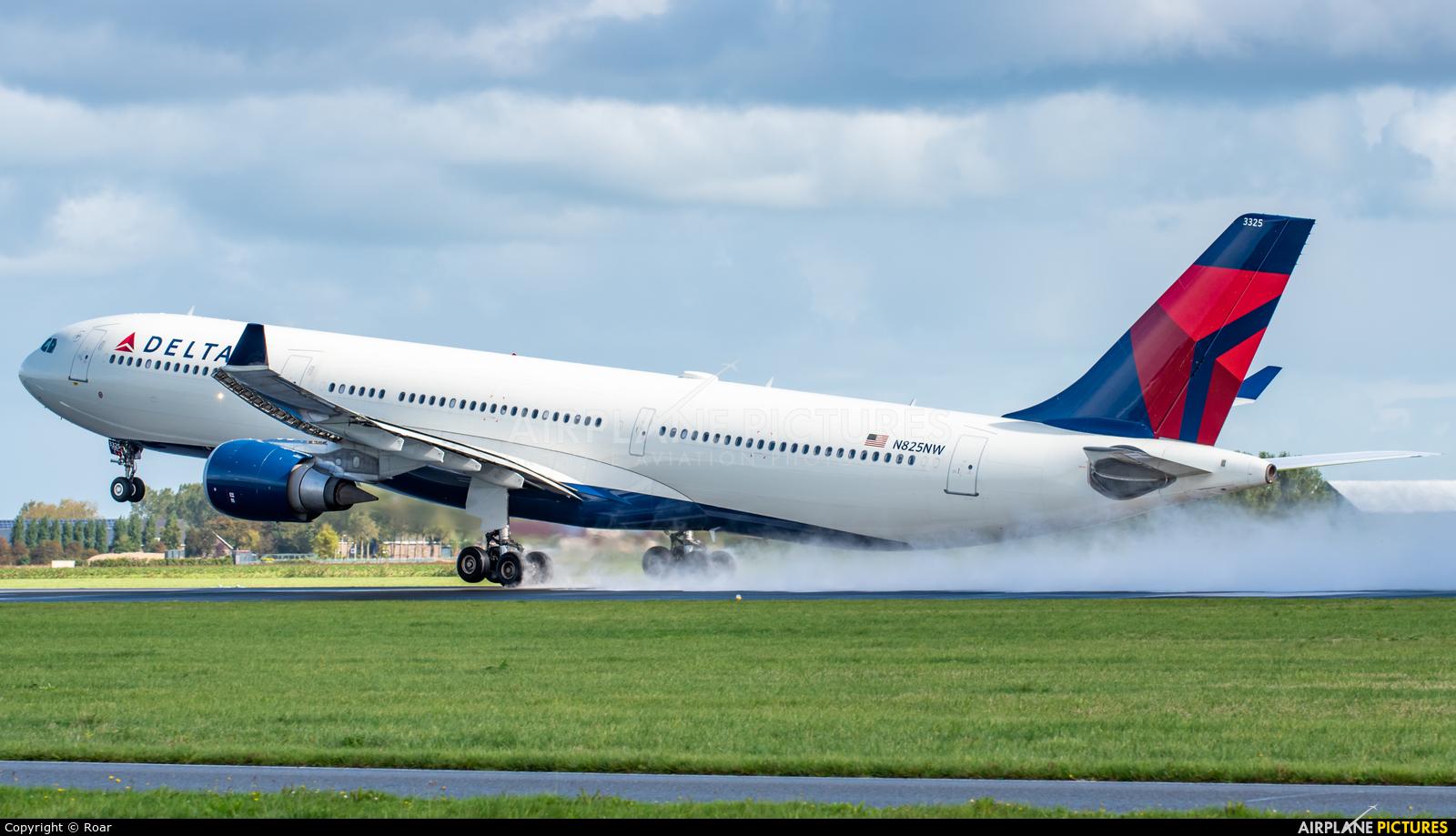Delta Air Lines N825NW aircraft at Amsterdam - Schiphol
