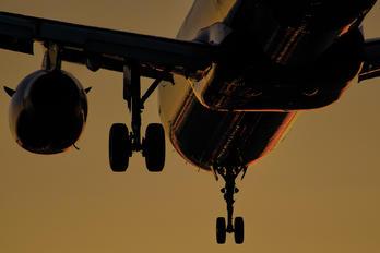 HA-LXL - Wizz Air Airbus A321
