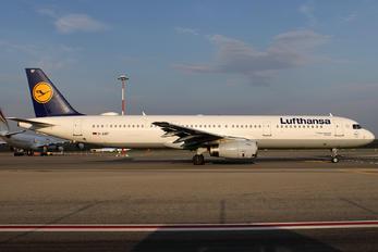 D-AIRF - Lufthansa Airbus A321