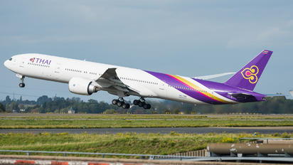 HS-TKK - Thai Airways Boeing 777-300ER