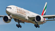 Emirates Airlines A6-ENF image