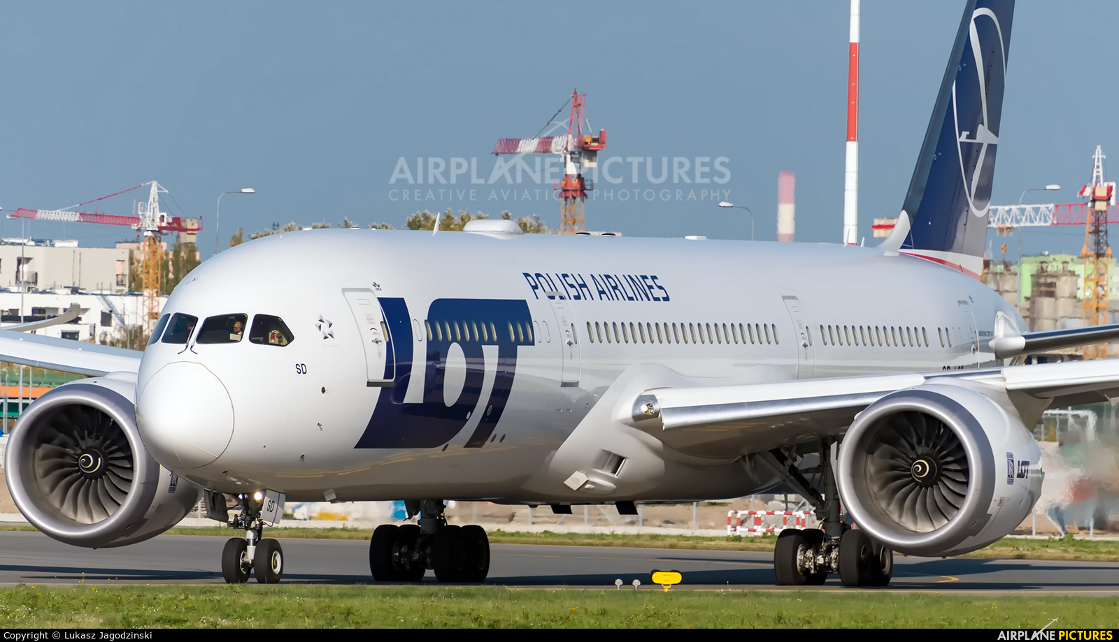 LOT - Polish Airlines SP-LSD aircraft at Warsaw - Frederic Chopin