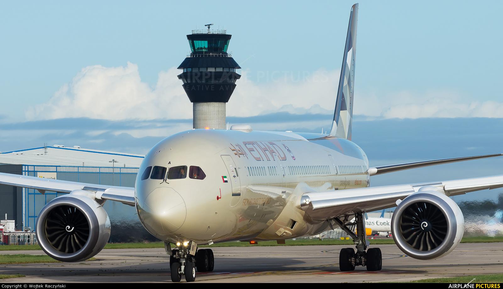 Etihad Airways A6-BNA aircraft at Manchester