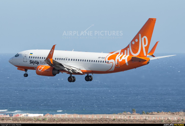 SkyUp Airlines UR-SQD aircraft at Tenerife Sur - Reina Sofia