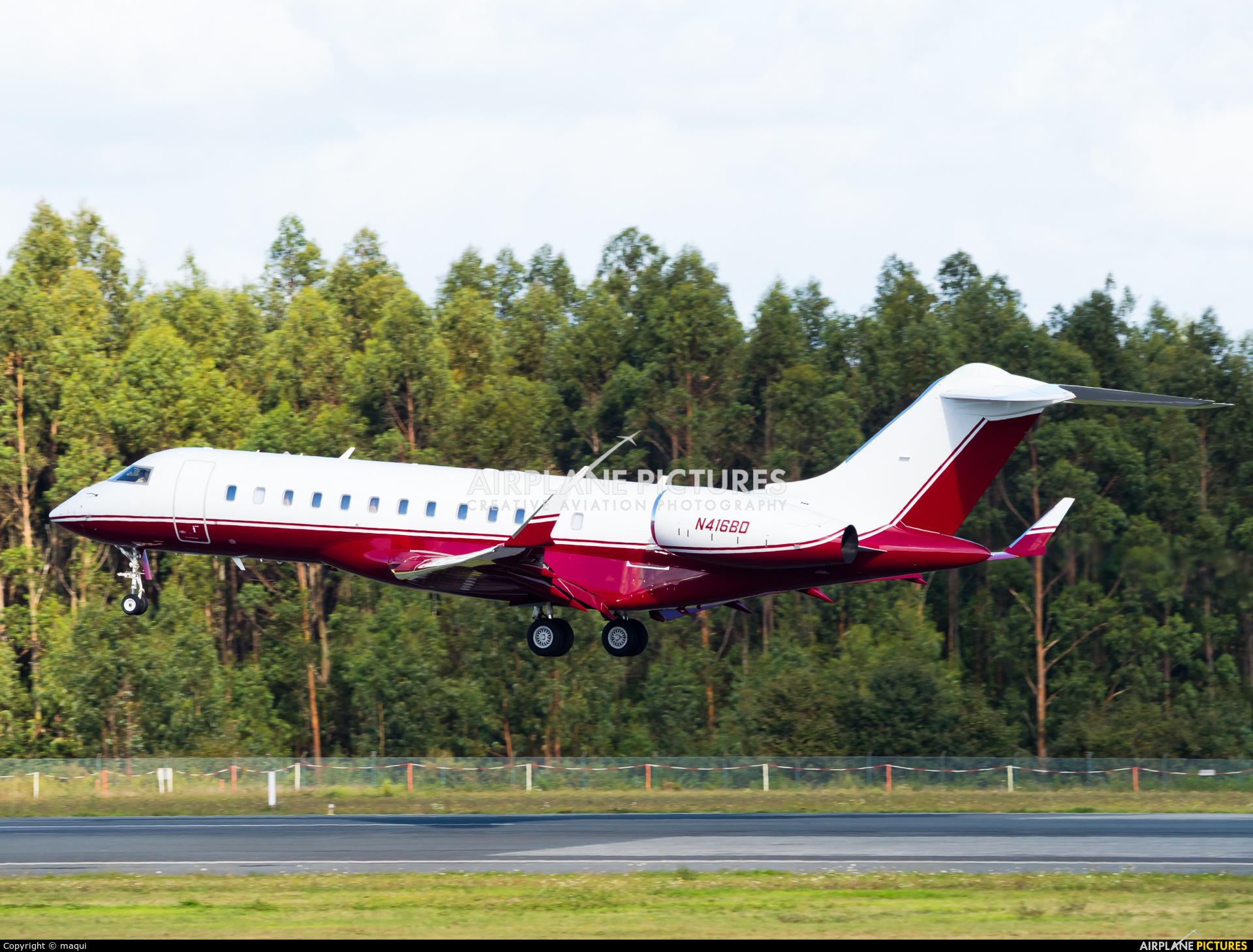 Private N416BD aircraft at Santiago de Compostela