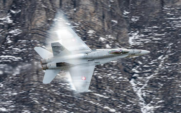 J-5018 - Switzerland - Air Force McDonnell Douglas F/A-18C Hornet