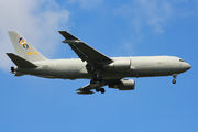 Italian Air Force Boeing KC-767 visited Singapore title=