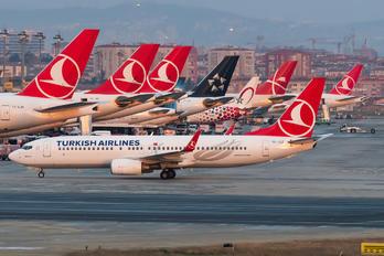 TC-JGZ - Turkish Airlines Boeing 737-800