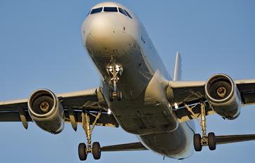 LY-ELK - TUI Airways Airbus A320