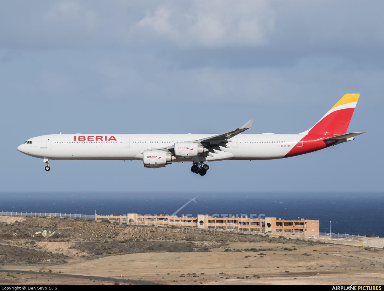 Iberia EC-IZX aircraft at Aeropuerto de Gran Canaria