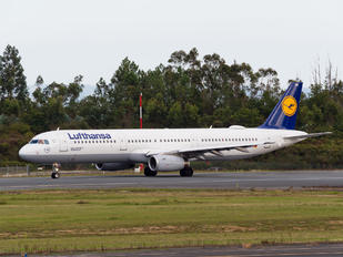 D-AIRN - Lufthansa Airbus A321
