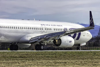 SP-LWD - LOT - Polish Airlines Boeing 737-800