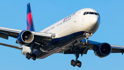 N185DN - Delta Air Lines Boeing 767-300ER