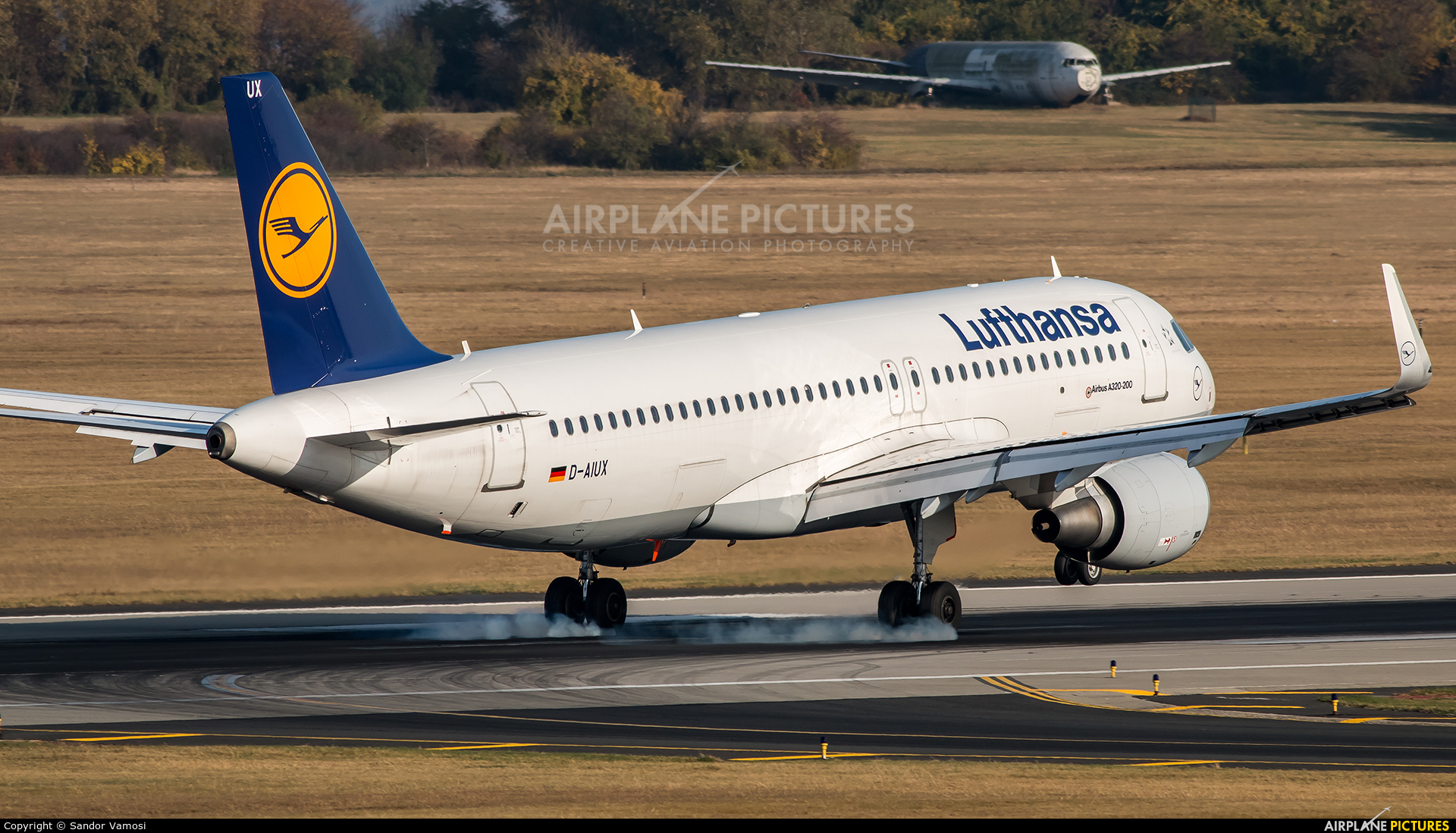 Lufthansa D-AIUX aircraft at Budapest Ferenc Liszt International Airport