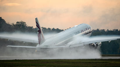 A7-BEU - Qatar Airways Boeing 777-300ER