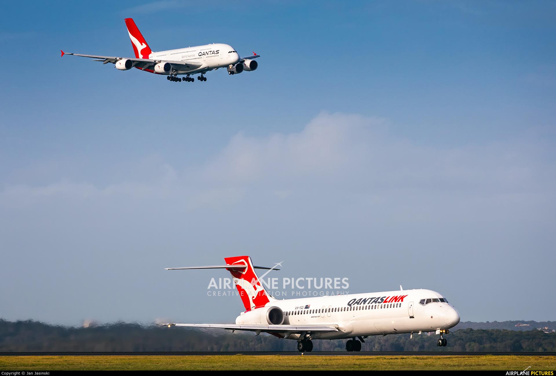 QantasLink VH-YQU aircraft at Sydney - Kingsford Smith Intl, NSW