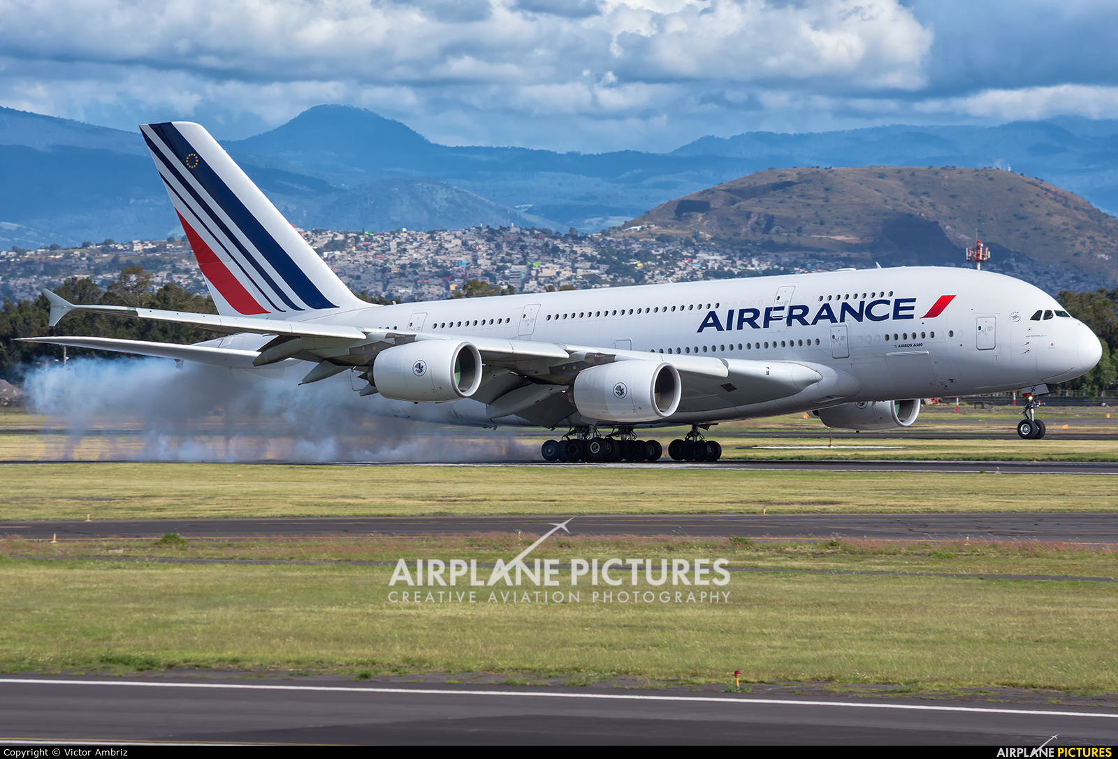 Air France F-HPJF aircraft at Mexico City - Licenciado Benito Juarez Intl