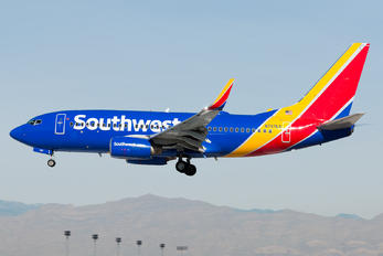 N757LV - Southwest Airlines Boeing 737-700