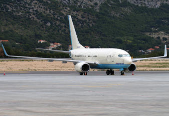 HL8222 - Korean Air Boeing 737-700 BBJ