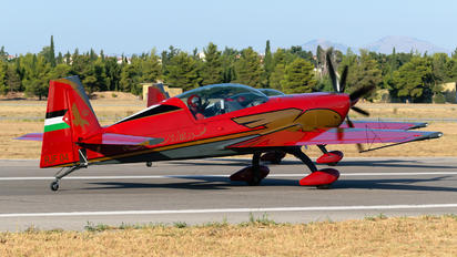 RJF 04 - Royal Jordanian Falcons Extra 300