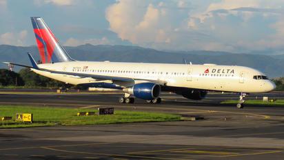 N6705Y - Delta Air Lines Boeing 757-200