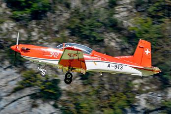 A-913 - Switzerland - Air Force: PC-7 Team Pilatus PC-7 I & II