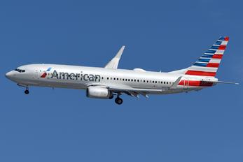 N932NN - American Airlines Boeing 737-800