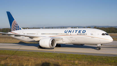 N28912 - United Airlines Boeing 787-8 Dreamliner
