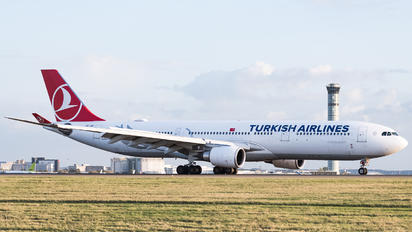 TC-JOH - Turkish Airlines Airbus A330-300