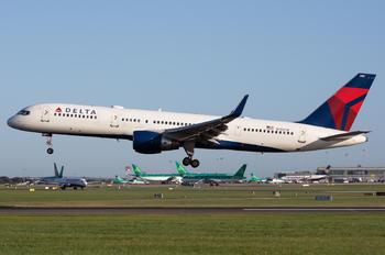 N713TW - Delta Air Lines Boeing 757-200WL