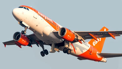 OE-LKL - easyJet Europe Airbus A319