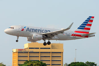 N9018E - American Airlines Airbus A319