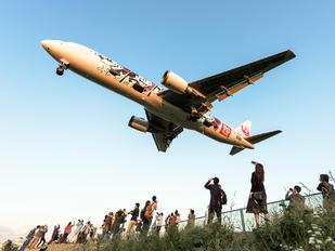 JA602J - JAL - Japan Airlines Boeing 767-300