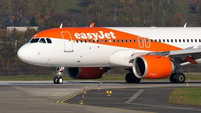 G-UZHS - easyJet Airbus A320 NEO