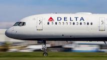 N6706Q - Delta Air Lines Boeing 757-200 aircraft