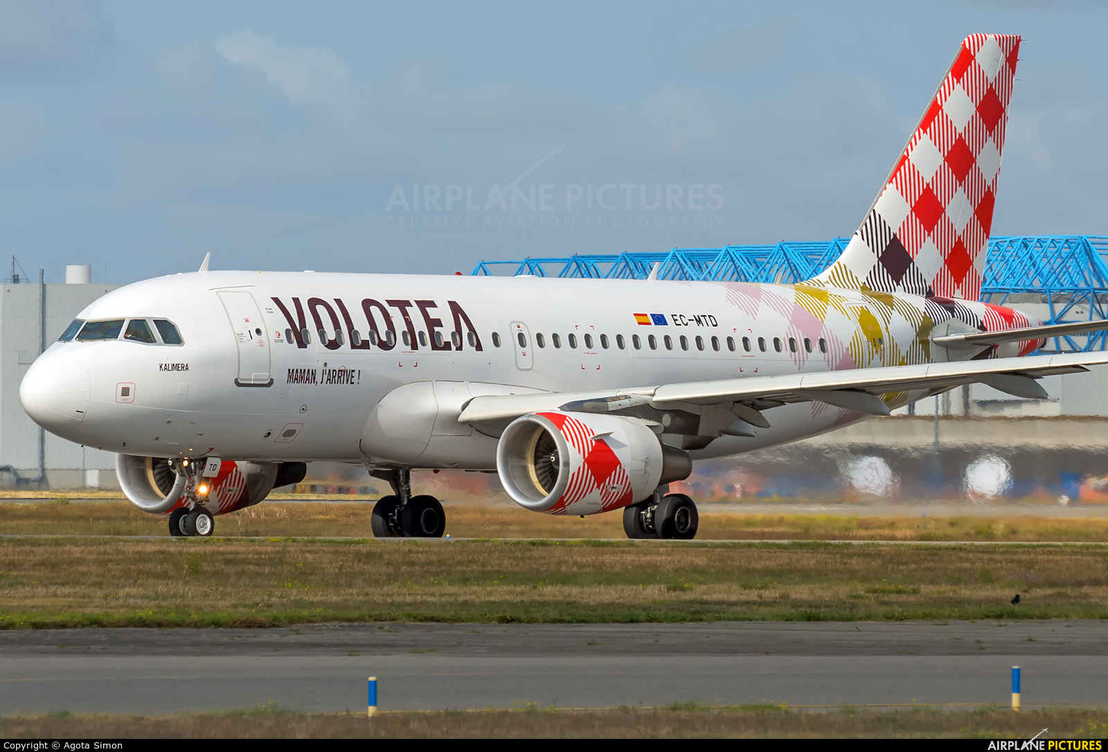 Volotea Airlines EC-MTD aircraft at Toulouse - Blagnac