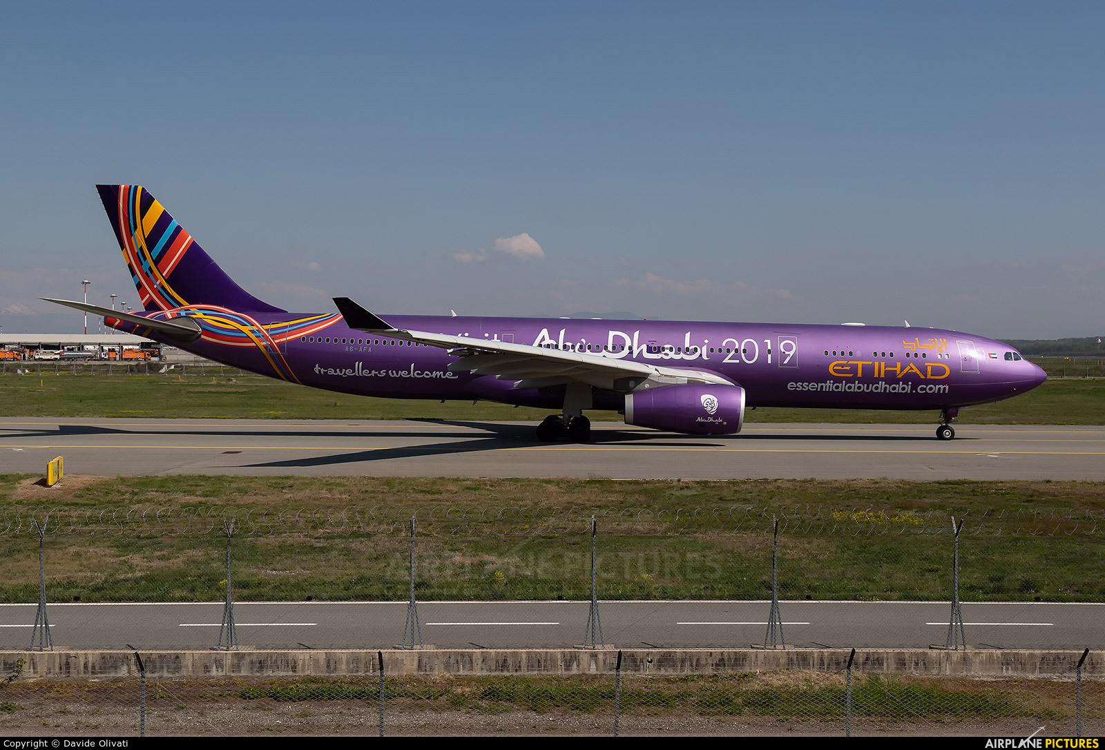 Etihad Airways A6-AFA aircraft at Milan - Malpensa