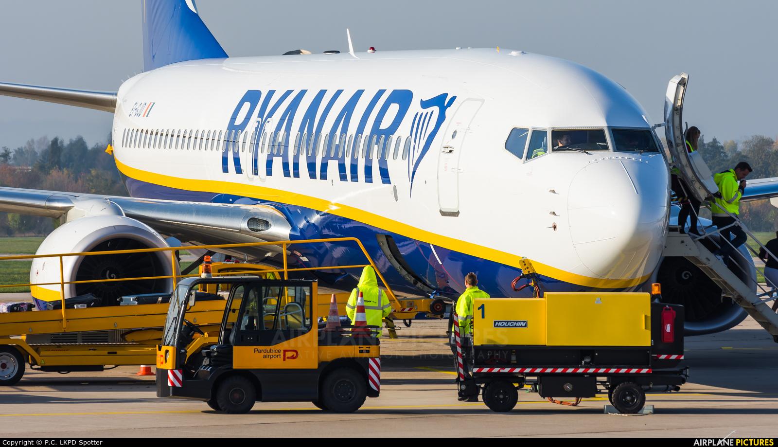 Ryanair EI-GJD aircraft at Pardubice