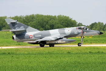 32 - France - Navy Dassault Super Etendard