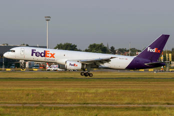N923FD - FedEx Federal Express Boeing 757-200F