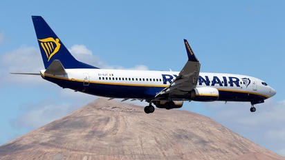 EI-GJT - Ryanair Boeing 737-8AS