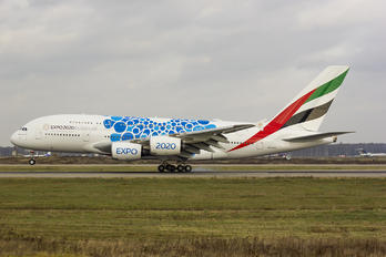 A6-EVH - Emirates Airlines Airbus A380