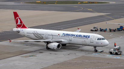 TC-JMN - Turkish Airlines Airbus A321