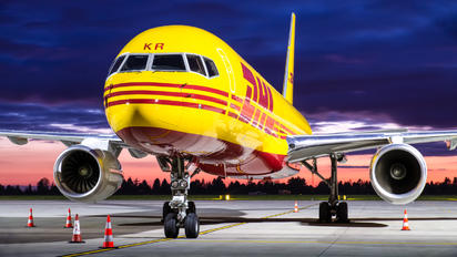 G-DHKR - DHL Cargo Boeing 757-223(SF)