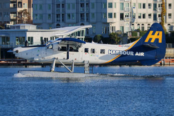 C-FITF - Harbour Air de Havilland Canada DHC-3 Otter