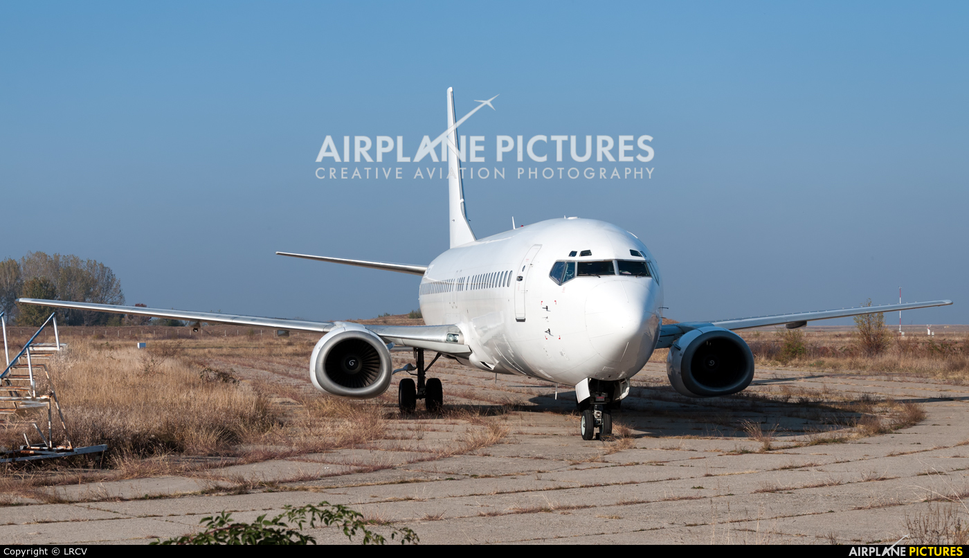 Unknown SX-DRA aircraft at Craiova