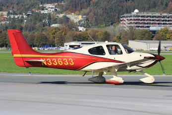 N33633 - Private Cirrus SR22